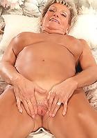 Hot milf gives her friend a good rub down