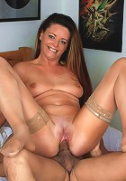 Sexy oldie masters her oral skills on a cock