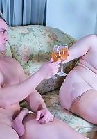 Elsa&Nicholas pantyhosefucking horny mature babe