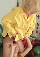 Muriel&Diana pantyhosefucking salacious mature gal
