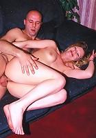 Mature hottie fucking sideways in the sofa