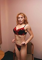 Stunning mature Serena with a huge ass posing and spreading her wet pussy lips wide