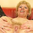 Mature slut gets filled with a warm surprise
