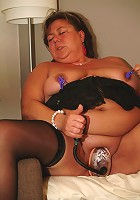 Big european mature slut playing with herself