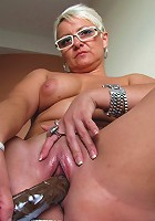Housewife Victoria gets herself wet and wild