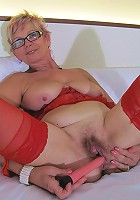 Blonde mature nympho and her wet pussy
