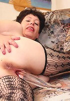 This housewife gets her pussy warm