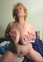 Kinky mama getting wet and wild