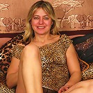 This horny mature slut loves her dildo