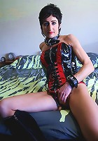 Kinky housewife playing with herself on her bed