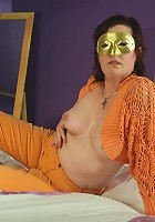 masked mature slut getting kinky