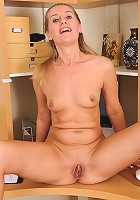 Skinny MILF Sara J from AllOver30 relaxes her pussy after work