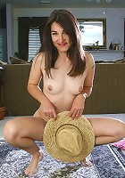 MILF with hairy pits and pussy has fun spreeading for the camera