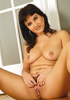 Popular brunette MILF Valentina shows off her meaty 33 year old pussy
