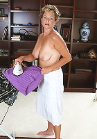 Mature hottie Ariel strips and spreads after ironing her clothes