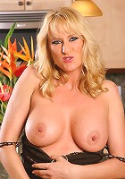 Blonde MILF Bethany does more than cook in this kitchen
