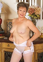 55 year old Judy from AllOver30 spreading her mature beaver