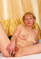 Older mature slut slurps down cock!