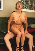 Sluty older MILF still gets it in with regularity!