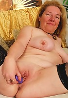 Mature housewife cleans the jizz off dripping cocks
