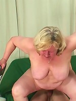 The hot young cock fucks the granny mouth and then it's inside her beautiful pussy