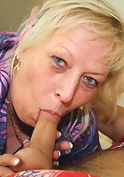 He plays a pickup game and gets the mature slut back to his place for a world class fuck