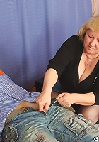 The young sex therapist and the couple have a mature threesome with great penetration