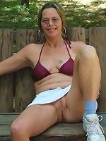 wife girlfriend bikini