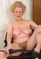 Older woman enjoys sucking cock and takes hard penetration