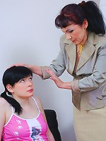 Yummy teen tricked by a mature doc