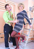 Dolled-up mommy fucked by the old rusty ladder by her impatient young lover