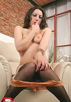 Pretty Gala enjoys deep toying