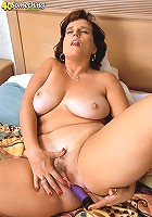 Hot horny cougar having sex with a dude