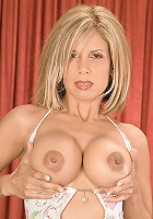 Hot MILF with perfect tits