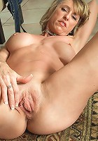 Hot grandma wants to fuck