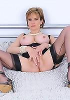 Corselette mature